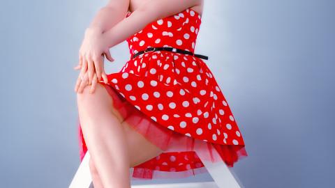 Τέλεια πόδια… για καλοκαιρινές φούστες!