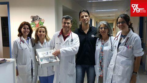Δωρεά Οξύμετρο  αξίας 1000€  απ' τo Myoxygen  και  τα μέλη  του στην παιδιατρική  κλινική  της Ρόδου