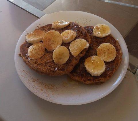 Νόστιμα και Θρεπτικά Pancakes με βρώμη, μπανάνα & μέλι