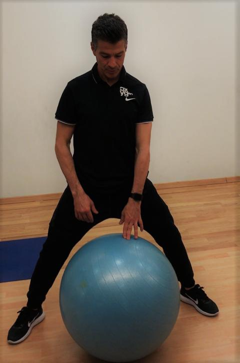 Γυμναστική με Μπάλα. Εύκολες ασκήσεις για γυμναστική στο σπίτι